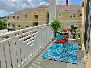 Sunset Luxury Penthouse - Nassau, Bahamas