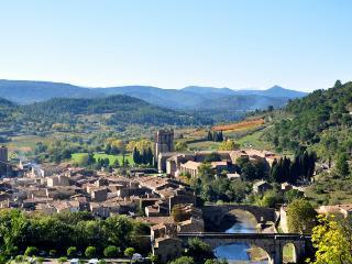 Lagrasse,  un des plus beaux villages de France!
