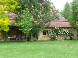 Peaceful Gite with amazing views near Pau, Arricau-Bordes