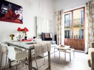 Cosy apartment Las Letras, Cortes, Neigborhood, Madrid
