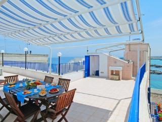 Portavecchia: Apartment with sea view in Puglia, Monopoli