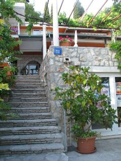 steps to the breakfast terrace and the rooms