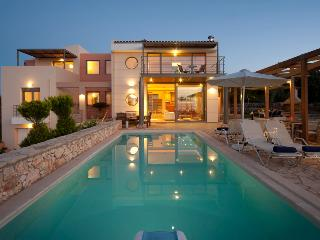 Villa Serenity Heated Pool, Rethymnon