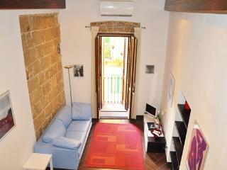 Smeraldo - Living Room