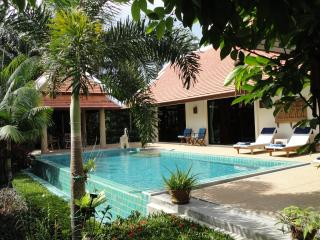 Baan Nai Fun - Luxury Private Pool Villa by Lagoon, Nai Harn