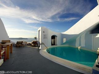Blue Villas | Cave Suite | Minimalist style, Firostefani