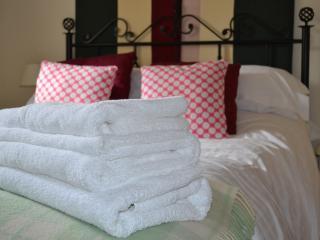 Woodpecker Cottage bedroom
