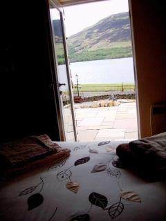 King Size bedeoom en-suite, looks over Loch Earn