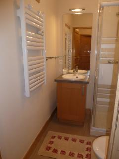 Shower room upstairs