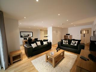 2 Bed Penthouse Apartment, Newquay