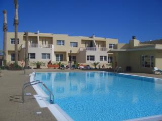 Casa Caleta, Costa Caleta, Fuerteventura - 3 bed holiday home with communal pool