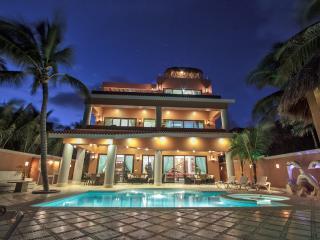 Luxurious beachfront Soliman Bay villa Lol-Beh, Tulum