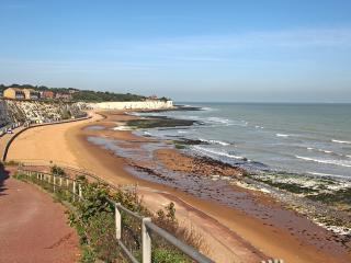 3 mins walk is Stone Bay, the setting for John Buchan's book 'The 39 Steps'