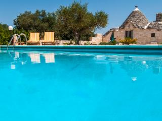 Trullo Mario: Trulli with Pool in Alberobello