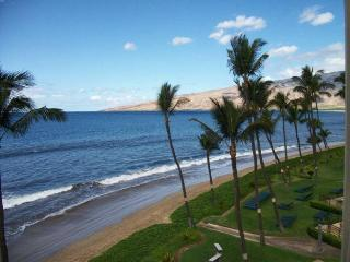 Sugar Beach Resort 2 Bedroom Ocean Front 514, Kihei