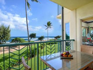 ***BEACH Front Bliss*** 3 beds PRIME LOCATION x3 & FAST Wifi, Kapaa