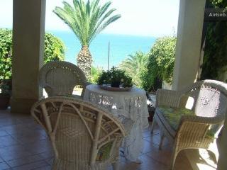 BEACH FRONT VILLA FOR SUN/RELA, Trappeto