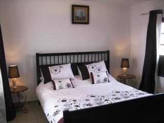 Kingsize Bedroom Downstairs