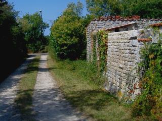 Impasse des Iris - Lane into Les Iris