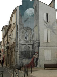 Mural on house in Angoulême
