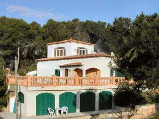 C'an Pedro Large villa and Apartment with pool. Situated in pine trees. Sea view