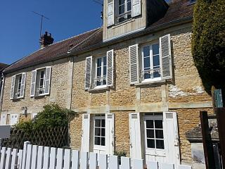 La Maison dans le Village, Courseulles-sur-Mer