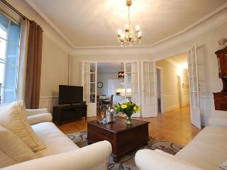 Magnificent 3 bedroom Belle Epoch Apartment central Nice (Carré D'Or), France
