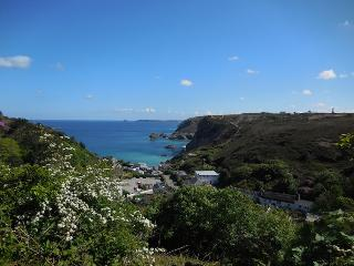 Self-Catering 2-bed Eco-Home with Stunning Views, St Agnes