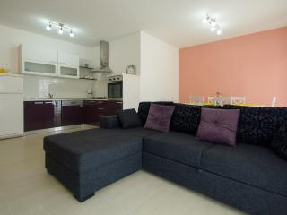 NEW BEACH LUXURY APARTMENT 2 BEDROOMS 2 BATHROOMS, Trogir