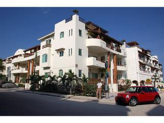 Spotlessly Clean Central 2 Bedroom Penthouse, Playa del Carmen