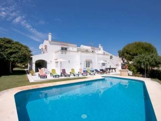 VILLA SAVANNA MENORCA ((WIFI,BBQ,ROOMS A.A.POOL,PISCINA)
