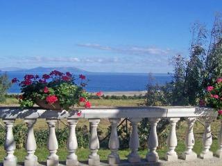 VILLA NEAR SEA: WONDERFULL WIEW OF AEOLIAN ISLAND, Gioiosa Marea