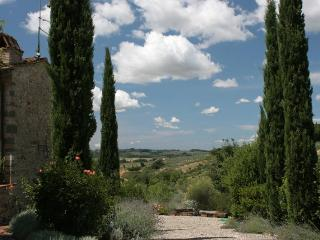 Path to the house (on the left), with view over the valley.