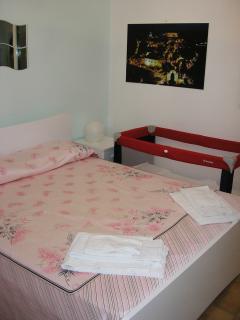 Double Bedroom + Baby Bed