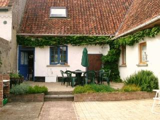 Les Tardis - a country cottage in a pretty village, Hesdin