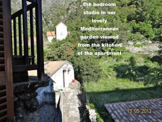 Apartment + minicottage in lovely Med garden, Castirla