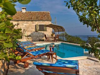 Charmy Vila with Pool near Makarska, Brela