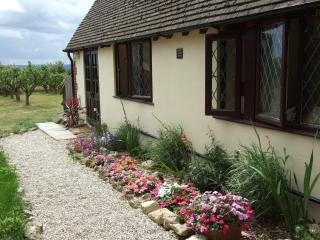 Pear Tree Garden, a delightful cottage in the idyllic Kentish countryside