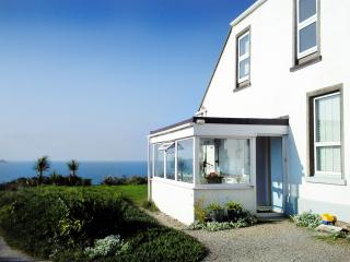 The Big Beach House, St. Ives Bay. Perfect for large groups