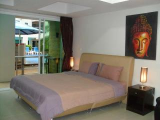 Cosy Poolside Studio Apartment, Patong