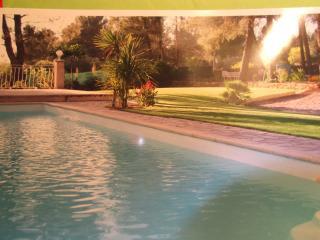 chalet neuf tout confort avec piscine., Le Beausset