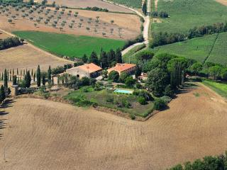 La Pergola - farm holidays, 25km from the sea, Manciano