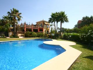 657 - 3 bed townhouse,Garden Beach Estepona