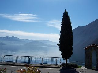 Antico Oleificio - 2 bedrooms 4/6 sleeps lakefront, Riva di Solto