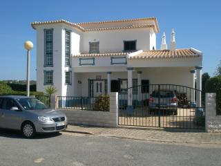 Vila Serena, Almadena