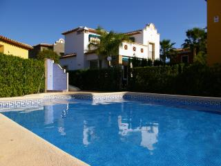 4, Los Gladiolos - lovely villa, near marina, walking distance to Denia centre.