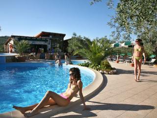Villetta Rustica con piscina vicino al mare, Vieste