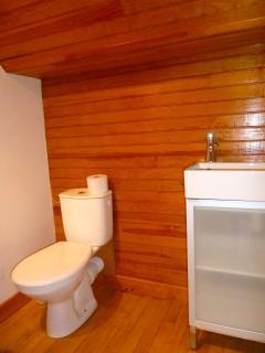 cabinet de toilette à l'étage
