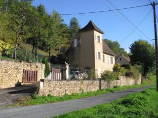 Le Pigeonnier, Siorac en Perigord,    Perigord Noir,  Dordogne .  24170