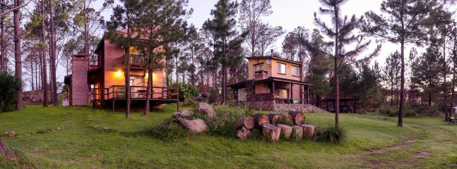 Casas frente a la pileta